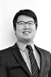 Jae H. Shim photo